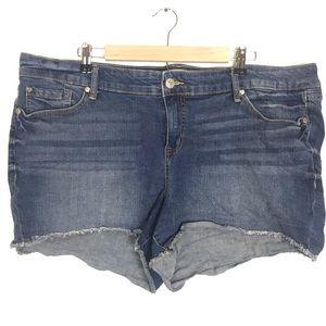 Torrid women's cut off denim shorts size 22